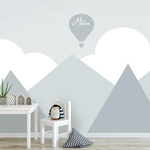 Kinderbehang bergen wolken mint grijs
